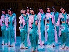 汉服舞蹈视频 | 汉舞《采薇》,《孔子》舞台剧现场版