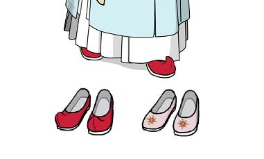 女裝的部分,正裝通常搭配弓鞋。