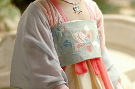 汉服日常穿搭图文分享,一个新人的汉服穿搭日常