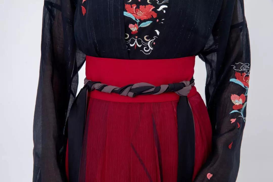 对襟襦裙穿法 | 5分钟教你学会穿对襟襦裙(图解)