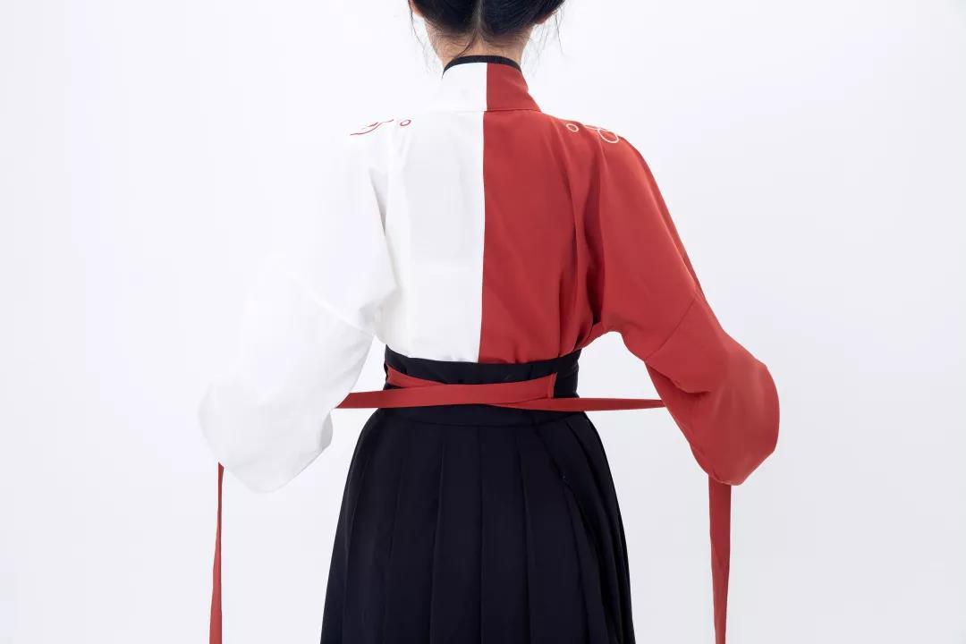 交领襦裙穿法图解
