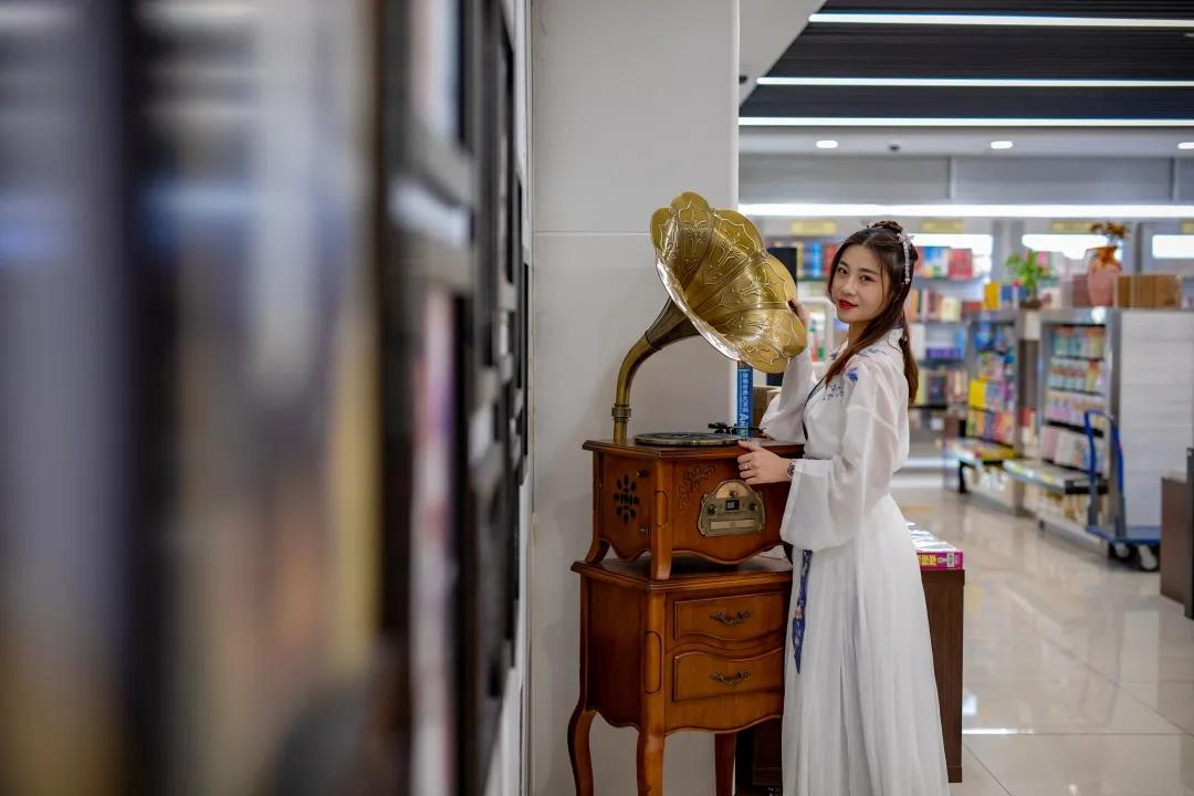 济南新华书店新开汉服体验馆,等你打卡