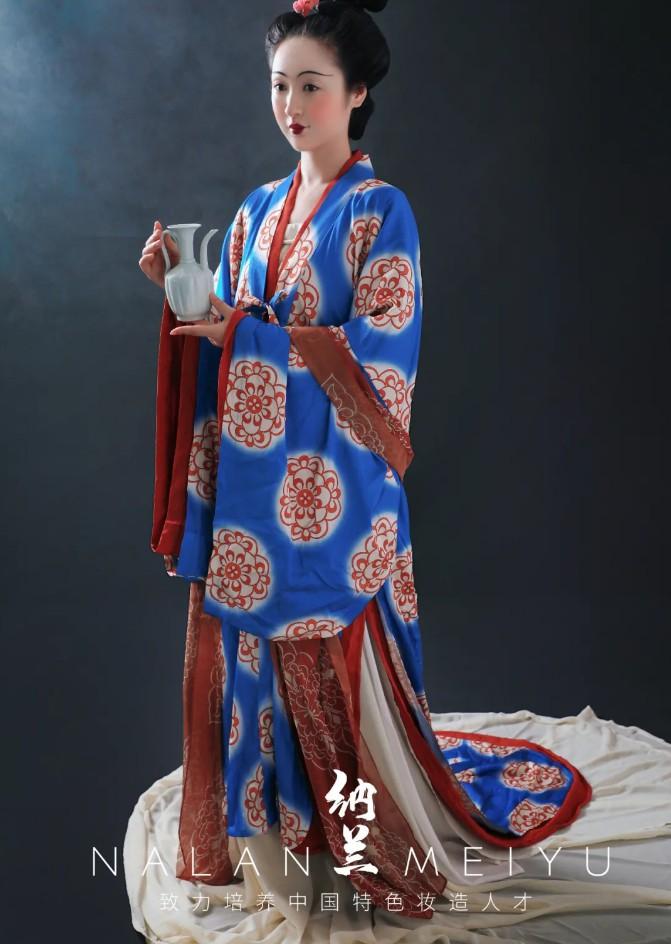 汉服妆造创作及欣赏:晚唐五代 慵来髻