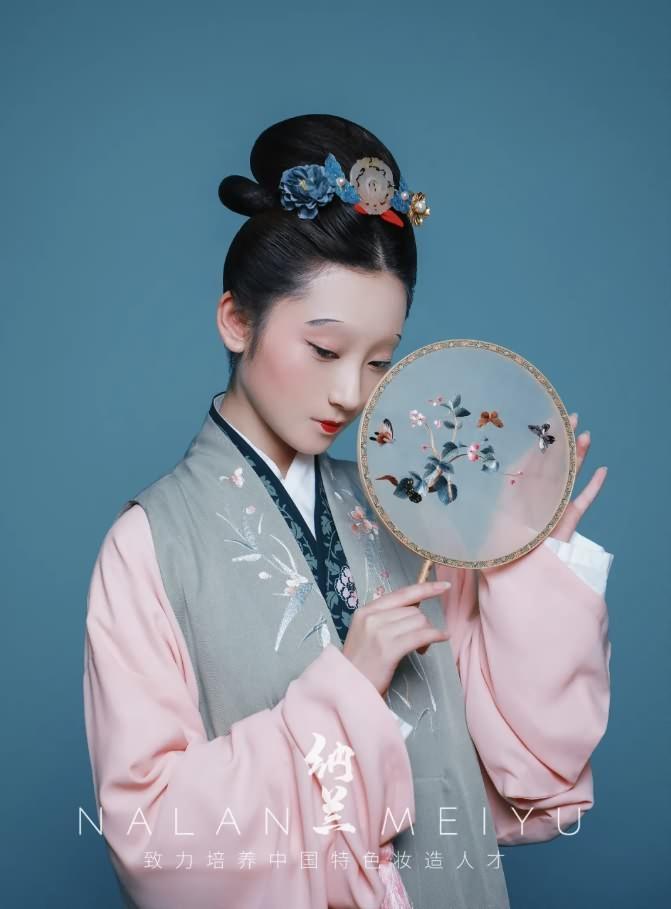汉服妆造培训欣赏:明代初期侍女妆容造型