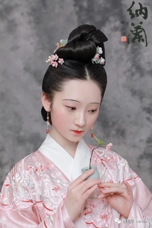 盘点中国各朝代妆容发型特点