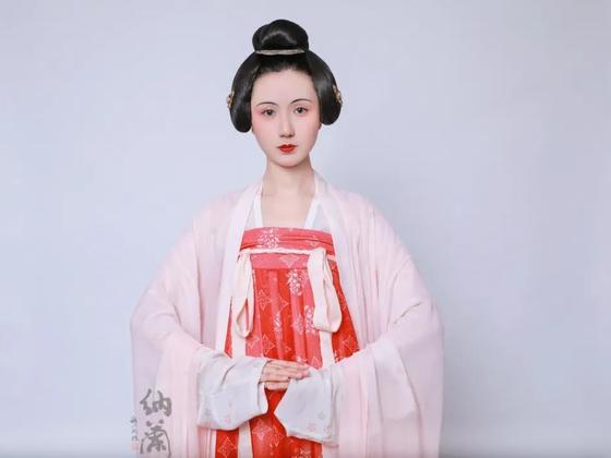 汉服化妆教程:网络妆造课复原汉服妆造欣赏