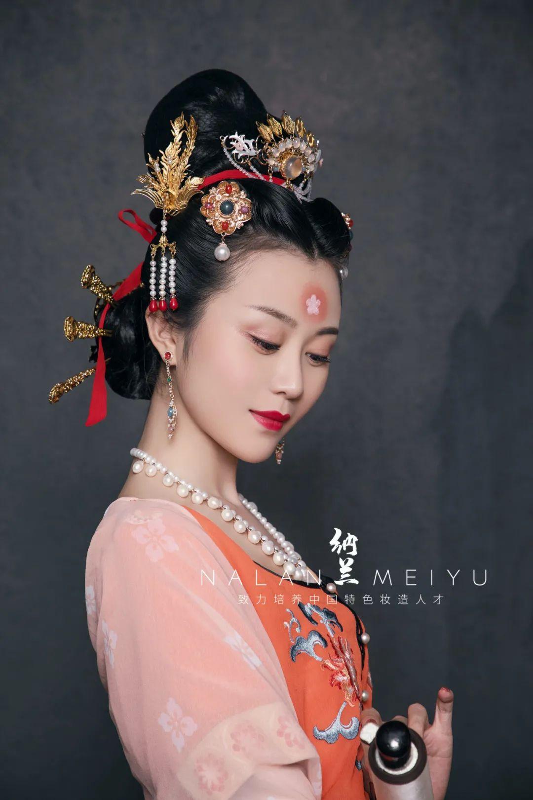汉服妆造课程欣赏:古妆人物造型·【上官婉儿】