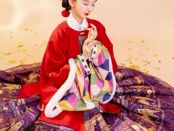 2021年就要「红」:汉服怎么穿出新年感?